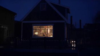 BEHR PREMIUM Stains and Finishes TV Spot, 'Houseboat' - Thumbnail 6