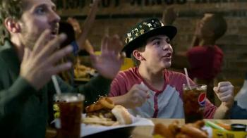 Buffalo Wild Wings TV Spot, 'El sombrero de la buena suerte' [Spanish]