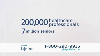 Philips Lifeline TV Spot, 'Live With Confidence' Featuring Betty White - Thumbnail 7