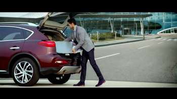 2016 Infiniti QX50 TV Spot, 'Showcase' Song by Bloc Party - Thumbnail 6