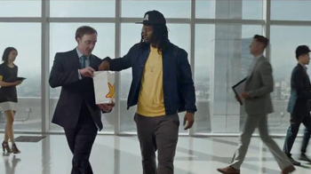 Carl's Jr. California Classic TV Spot, 'Welcome to Cali' Feat. Todd Gurley