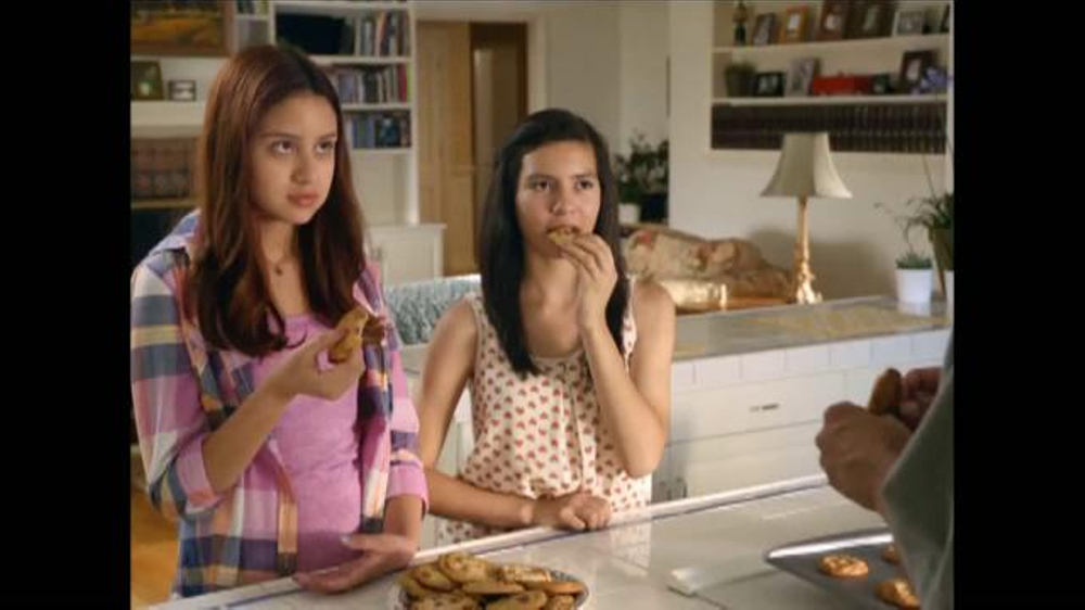 Adoption From Foster Care TV Commercial, 'Pap?? hace las galletas'
