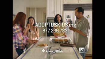 Adoption From Foster Care TV Spot, 'Papá hace las galletas' [Spanish] - Thumbnail 10