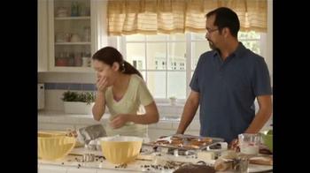 Adoption From Foster Care TV Spot, 'Papá hace las galletas' [Spanish] - Thumbnail 5