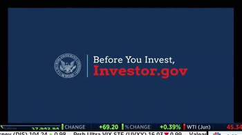 Investor.gov TV Spot, 'Poolside' - Thumbnail 7
