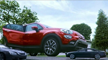 2016 FIAT 500X TV Spot, 'Room for Five' Song by Fitz and The Tantrums - Thumbnail 3