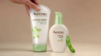 Aveeno Positively Radiant TV Spot, 'The Bright Side' Feat. Jennifer Aniston - Thumbnail 5