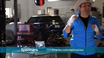 Charter Spectrum TV TV Spot, 'Sombrero y aplicación' con El Dasa [Spanish] - Thumbnail 6
