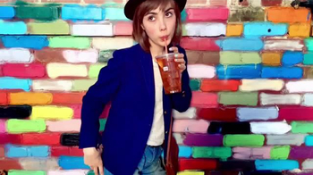 Dunkin' Donuts Iced Tea TV Spot, 'Refresh Girl'