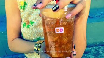 Dunkin' Donuts Iced Tea TV Spot, 'Refresh Girl' - Thumbnail 8