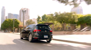 2016 Volkswagen Golf GTI TV Spot, 'Sleep Talking' Song by Beck - Thumbnail 5
