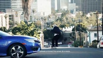 2016 Honda Civic Coupé TV Spot, 'Skate' [Spanish] - Thumbnail 2