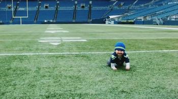 NFL Newborn Fan Club TV Spot, 'Team Pride is Adorable' - Thumbnail 2