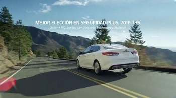 Kia Evento Summer's On Us TV Spot, 'Optima y Optima Hybrid' [Spanish] - Thumbnail 6