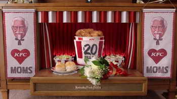 KFC $20 Fill Up TV Spot, 'Modern Mothers' - Thumbnail 8