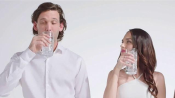 Aquafina Sparkling TV Spot, 'Refreshing Experience' - Thumbnail 6