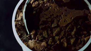 Tillamook TCHO Double Dark Chocolate Farmstyle Gelato TV Spot, 'B-Boy' - Thumbnail 4