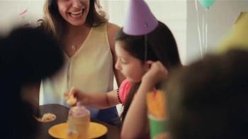 JCPenney Venta del Día de las Madres TV Spot, 'Ropa para las Madres' - Thumbnail 5