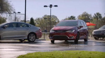 2017 Chrysler Pacifica TV Spot, 'Tennis: Lazy Culture' Feat. Jim Gaffigan - Thumbnail 4