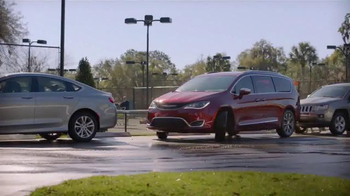 2017 Chrysler Pacifica TV Spot, 'Tennis: Lazy Culture' Feat. Jim Gaffigan - Thumbnail 6