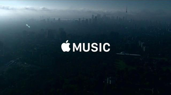 Apple Music TV Spot, 'VIEWS: Tower' Song by Drake - Thumbnail 9