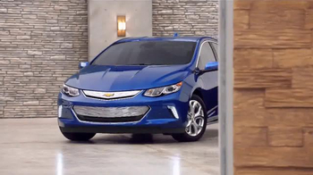 2016 Chevrolet Volt TV Spot, 'Chevy Volt Battery Technology: Time Capsule' - Thumbnail 7