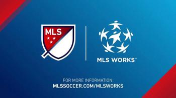 Major League Soccer TV Spot, 'MLS Works: Desastres naturales' [Spanish] - Thumbnail 8