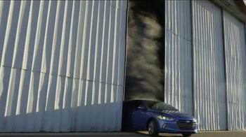 2017 Hyundai Elantra TV Spot, 'THIS' Song by Rjd2 - Thumbnail 8