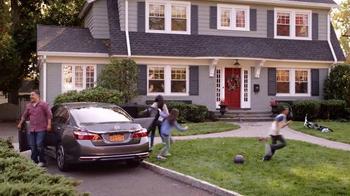 2016 Honda Accord TV Spot, 'Ice Cream Truck' - Thumbnail 10