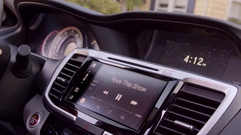 2016 Honda Accord TV Spot, 'Ice Cream Truck' - Thumbnail 5