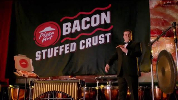 Pizza Hut Bacon Stuffed Crust TV Spot, 'Drum Roll' Feat. Bobby Moynihan - Thumbnail 7
