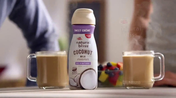 Coffee-Mate Natural Bliss Coconut Milk Creamer TV Spot, 'Cremoso' [Spanish] - Thumbnail 6