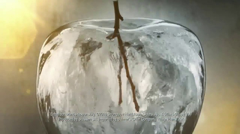 Strongbow Hard Apple Ciders TV Spot, 'Remix' Song by Crystal Fighters - Thumbnail 7