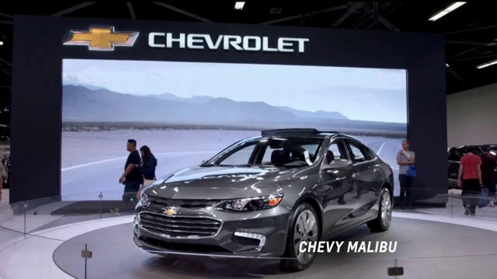 2017 Chevrolet Cruze LT TV Commercial, 'Attention at the ...