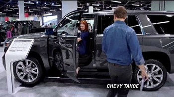 2017 Chevrolet Cruze LT TV Spot, 'Attention at the Auto Show' [T2] - Thumbnail 2