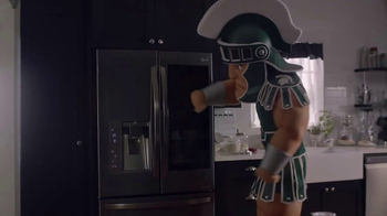 LG InstaView Door-in-Door Refrigerators TV Spot, 'Mascots Knock' - Thumbnail 2