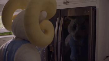 LG InstaView Door-in-Door Refrigerators TV Spot, 'Mascots Knock' - Thumbnail 3