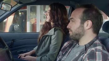 Febreze Car Vent Clip TV Spot, 'Automóvil de hamburguesa' [Spanish] - Thumbnail 5