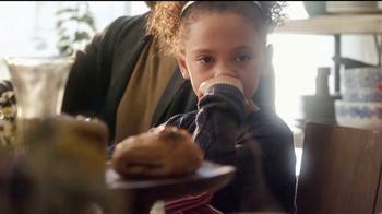 HomeGoods TV Spot, 'Pancake Sundays' Song by Johnny Nash - Thumbnail 4