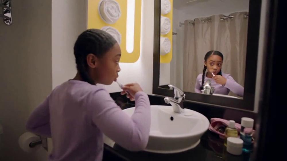 Motel 6 TV Commercial, 'Spelling Bee'