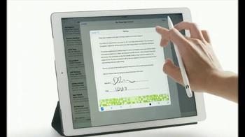 Apple iPad Pro TV Spot, 'Ya no hay que imprimir' [Spanish] - Thumbnail 3