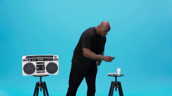 Oreo Dunk Challenge TV Spot, 'Shaquille O'Neal's Freestyle Dunk' - Thumbnail 5