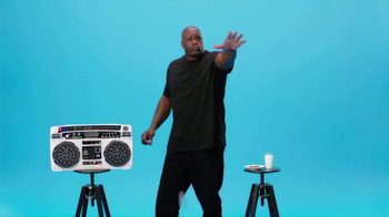 Oreo Dunk Challenge TV Spot, 'Shaquille O'Neal's Freestyle Dunk' - Thumbnail 7