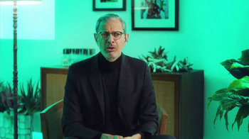 Apartments.com TV Spot, 'Empty Nesters' Featuring Jeff Goldblum - Thumbnail 9