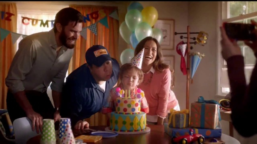 Toyota Evento Para Todos TV Commercial, 'El mec??nico' [Spanish] [T2