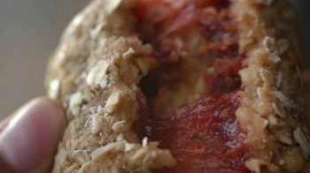 Quaker Breakfast Squares TV Spot, 'Delicious Ingredients' - Thumbnail 3