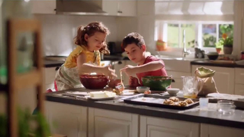 Lysol Kitchen Pro TV Spot, 'Five-Second Rule' - Thumbnail 9