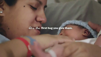 Huggies Little Snugglers TV Spot, 'Hospital Hugs' - Thumbnail 4