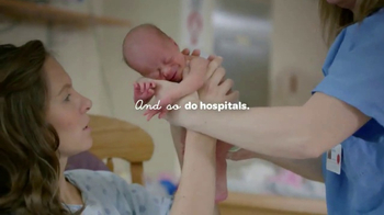 Huggies Little Snugglers TV Spot, 'Hospital Hugs' - Thumbnail 7