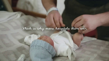 Huggies Little Snugglers TV Spot, 'Hospital Hugs' - Thumbnail 8